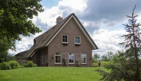 Landelijke woning Twijzel (7038)